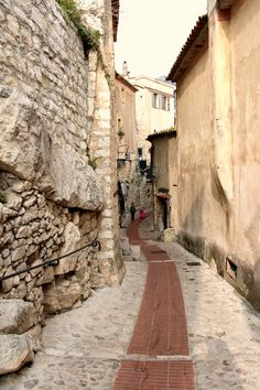 Ihana Èze. Nice, Sidewalk, Countries, Pictures, Alps, The Sunshine, Map Of France, Stockings, Photos