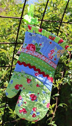 take two-oven mitt by PamKittyMorning, via Flickr