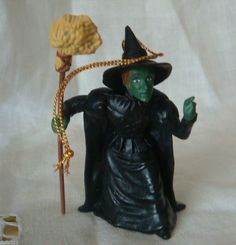 WIZARD OR OZ ORNAMENT FIGURE WICKED WITCH - EXCELLENT MGM Macau