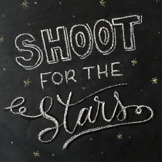 Disparar a las estrellas #letteritmay  #calligraphy #caligrafia #handlettering #handlettered #handlettering #typography #type #shootforthestars #dispararalasestrellas #chalk #chalkboard #chalkcalligraphy #chalkcalligrapher #chalkdesign