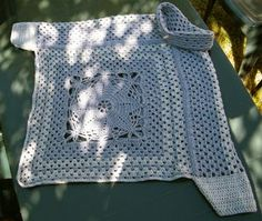DSCF0432 Cardigan Au Crochet, Knitted Cape, Crochet Jacket, Crochet Shawl, Pull Crochet, Knit Crochet, Crochet Capas, Granny Square, Crochet Accessories