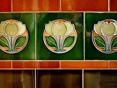 arts and crafts victorian style tiles Art Deco Bathroom, Art Nouveau Tiles, 1930s Bathroom, Bathroom Ideas, Bathroom Designs, Azulejos Art Nouveau, Art Deco Colors, Vintage Tile, Antique Tiles
