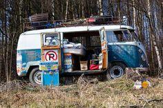 Veteran mit Narben: VW Bus T1 mit Expeditions- und Partyausstattung