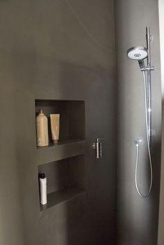 Seamless shower with niche .- Fugenlose Dusche mit Nischen Seamless shower with niches -