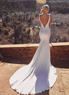 Wedding Dress Shopping, New Wedding Dresses, Bridal Dresses, Designer Wedding Gowns, Different Dresses, Bridal Outfits, Chic Wedding, Wedding Ideas, Dream Dress