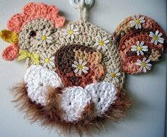 Crochet Hen on nest, by Jerre Lollman