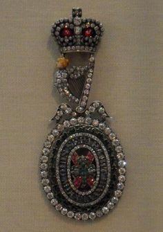Order of St Patrick regalia, Ulster Museum, breast badge.