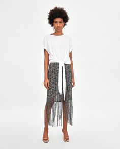 CAMISETA LAZADA DELANTERA Blusas T Shirts, Polo Neck, Wardrobe Basics, Plain Black, Spring Summer 2018, Zara Women, Casual Tops, Lace Skirt, What To Wear