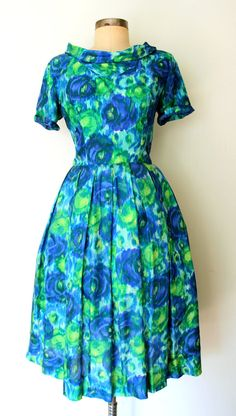 WATERCOLOR ROSES ★ 1960s Pleated Silk Floral Day Dress: Lolavintage.com