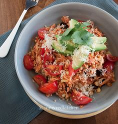 Healthy, easy, and delicious? These Slow Cooker Chicken Taco Bowls have it all! #CrockPot