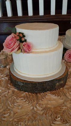 Wedding Cake. Simple Wedding Cake. Swipe Pattern Cake. Wedding trends. Simple Wedding. Rustic Wedding. Boho theme.