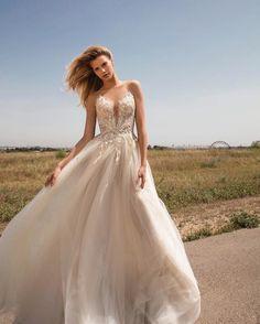 @galialahav does it again!  Check out GALA No. II: The Pret-a-Porter Bridal Collection from Galia Lahav on #confettidaydreams.com