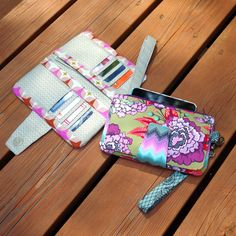 This wallet sewing pattern features 8 card slots, 2 bill slots, a large zippered compartment, and a detachable bifold compartment.
