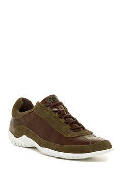 Far Sneaker