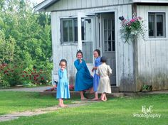 Mary, Marie, Fanny and Cindy....little Amish girls..
