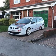 Cant wait to get the engine built and back on the road 🚗 Megane R26, Grand Tour, Car Wrap, Cant Wait, Cars And Motorcycles, Cool Cars, Automobile, Waiting, Engineering
