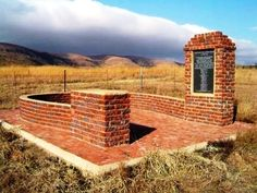 Memorial to the Battle of Allemanshoek War Memorials, African States, Mountain Pass, African History, Monuments, Statues, South Africa, Battle, Sculptures
