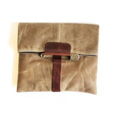 Gorgeous. Boy do I want to work me some leather! Pony Clutch Sage, $96, now featured on Fab.