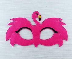 Arts And Crafts Hobbies That Make Money Flamingo Craft, Pink Flamingo Party, Flamingo Decor, Flamingo Birthday, Pink Flamingos, Felt Crafts, Fabric Crafts, Crafts For Kids, Halloween Celebration