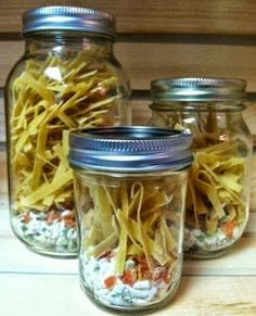 Chicken Noodle Soup JAR MEALS (Note: These are made to be just add - Microwaves - Ideas of Microwaves - Chicken Noodle Soup JAR MEALS (Note: These are made to be just add water & microwave in the jar but can be made on the Mason Jar Mixes, Mason Jars, Canning Recipes, Soup Recipes, Canning Labels, Picnic Recipes, Picnic Ideas, Picnic Foods, Soup In A Jar