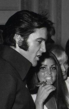 ELVIS PRESLEY AND PRISCILLA LOVE HISTORY — Elvis and Priscilla at Sinatra show. Elvis E Priscilla, Elvis Presley Quotes, Elvis Presley Priscilla, Elvis Presley Pictures, Elvis Presley Family, Lisa Marie Presley, Rockn Roll, Graceland, Celebrity Couples