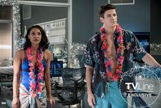 The Flash's Barry and Iris find their honeymoon cut short — and neither of 'em are too happy about it! — in this exclusive deleted scene from tonight's fall finale (airing at Barry Iris, Flash Season 4, Cw Crossover, Flash Tv Series, Flash Wallpaper, O Flash, David Ramsey, The Flash Grant Gustin, Candice Patton