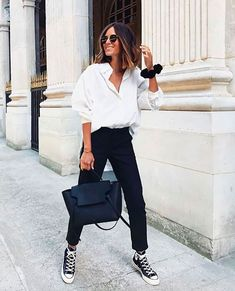 Adrette Outfits, White Shirt Outfits, Outfits With Converse, Casual Outfits, Fashion Outfits, Womens Fashion, Winter Outfits, Black Converse Style, Classic Outfits