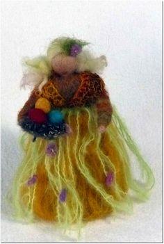 Blumenkind,  Osterkind,  Jahreszeitentisch Waldorf made by annelu-anne via DaWanda.com