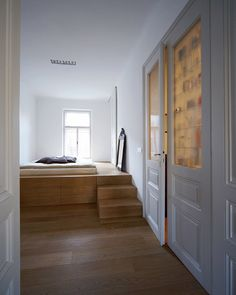 Level Apartment (Kramer's dream!).
