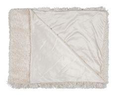 Kuka voisi vastustaa ihanan pehmeää torkkupeittoa? Alma-torkku valkoisena ja harmaana. #lennol #torkkupeite