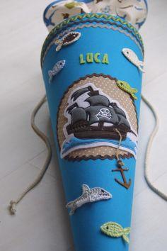 Schultüten - Schultüte mit Piratenschiff * Pirat * Hai + Fische - ein Designerstück von Das-Werk-der-Feen bei DaWanda