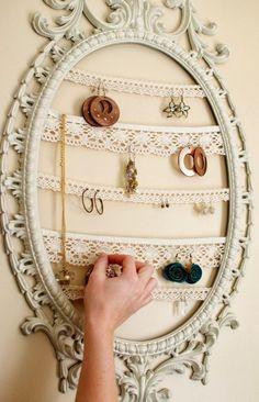 12 Dicas imperdíveis de Como Organizar Bijuterias! Aposto que umas delas você colocará em prática! ;)