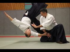 Compilation of re-edited video clips of Aikido techniques by Michel Erb.Thankyou to the uploaders Aikido Techniques, Martial Arts Techniques, Killer Ab Workouts, Killer Abs, Dan Youtube, Aikido Martial Arts, Steven Seagal, Kendo, Wing Chun