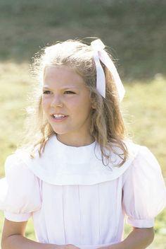 H.K.H. Kronprinsessan Victoria - Victoria Ingrid Alice Désirée, Sveriges Kronprinsessa, Hertiginna av Västergötland, föddes den 14 juli 1977 som äldsta barn till Kung Carl Gustaf och Drottning Silvia.(Crown Princess Victoria of Sweden as a child)