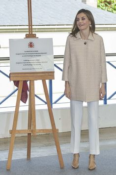 "Queen Letizia of Spain Photos Photos - Queen Letizia of Spain attends the opening of 2016-2017 training course at Secondary School ""San Rosendo"" on October 4, 2016 in Mondonedo, Spain. - Queen Letizia Of Spain Inaugurates FP Course"