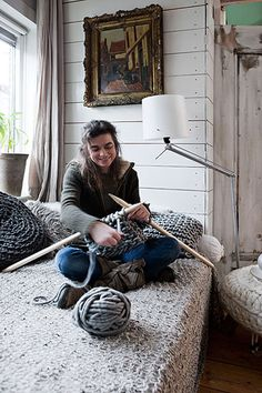 Looks like I have no choice but to find myself some table legs to whittle into giant knitting needles! Pinterest, you are making it impossible for a girl to want to do anything except be a full-time fiber Artist!