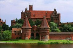 Castle in Malbork, Poland Malbork Castle, Central Europe, Beautiful Buildings, Poland, Travel, Romantic, Spaces, Inspiration, Image