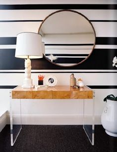love the wall and the lucite