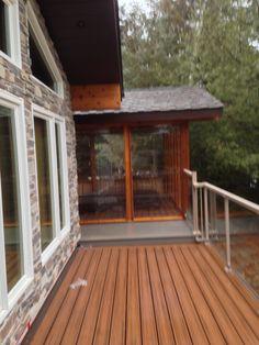 Deck side screen room spa