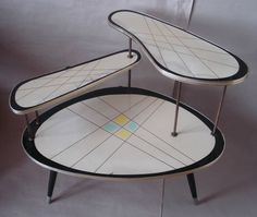 Coolest retro table ever Mid Century Decor, Mid Century House, Mid Century Style, Mid Century Modern Design, Mid Century Modern Furniture, Love Vintage, Vintage Design, Vintage Decor, Retro Vintage