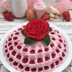Le fraisier deluxe - Recette de Dessert à la fraise pour 8 personnes - Préparation en 40 minutes