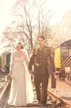 wartime-bride-styled-shoot-Lilybean-Photography-54.jpg 600×910 pixels