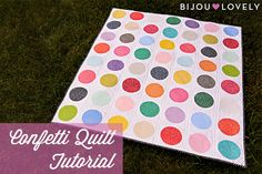 """Bijou Lovely: Confetti Quilt Tutorial. (Could be made with 5"""" white charm squares and 4"""" print circles) Fun and Easy!"""