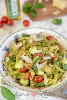 Pastasalade met pestodressing en kip - Keuken♥Liefde Pasta Salad, Barbecue, Potato Salad, Food And Drink, Dressing, Potatoes, Lunch, Pizza, Cooking