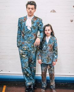 """""""Tag your sibling who copies everything you do. : #HarryStyles"""""""
