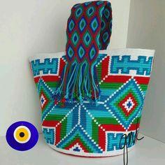 Tapestry Bag, Tapestry Crochet, Peyote Stitch Patterns, Crochet Patterns, Mochila Crochet, Boho Bags, Crochet Purses, Knitted Bags, Crochet Accessories