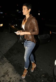 Nicole Murphy-OMG the hair and the outfit!! I would pin this twice!!! Loves it!