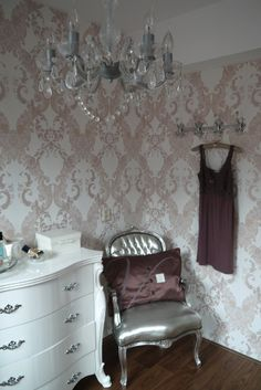 Behang roze / wallpaper pink Ornamentals Styling and Photography: by Christiana - BN Wallcoverings