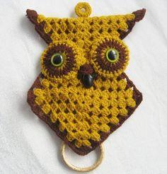 Owl potholder/vintage crocheted decorative by BohoRain on Etsy