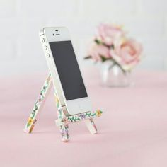 cell phone stand DIY, tiny easel you can pick up at any craft store and embellish! Need to make this to keep on my desk
